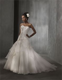 2310- alfred angelo- asymetrical ruching is very flattering