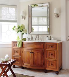 Symmetry, architecture, and light are key elements that make this bathroom dream-worthy. Take a look at this beautiful, traditional bathroom and be inspired! Small Luxury Bathrooms, Dream Bathrooms, Bathroom Interior Design, Interior Decorating, Decorating Tips, Home Renovation, Home Remodeling, Craftsman Bathroom, Traditional Bathroom