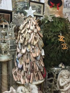 Vignettes Antiques what a great idea! a christmas tree made of discarded toe shoes! Unique Christmas Trees, Alternative Christmas Tree, Merry Little Christmas, Pink Christmas, Xmas Tree, Beautiful Christmas, Winter Christmas, Christmas Tree Decorations, Vintage Christmas