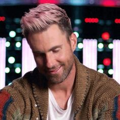 When he looks up and gives you this look. #TheVoice #✌️
