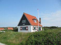 Vakantiehuis JollyDay in de duinen van Duinkersoord op Vlieland wordt verhuurd door VVV Vlieland.  www.jollyday.op-vlieland.nl