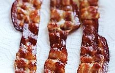 Weird Tip That Really Works: For Perfect Bacon, Add a Little Water to the Pan Tips from The Kitchn Watermelon Nutrition Facts, Nutrition Guide, Nutrition Education, Oven Baked Bacon, Bacon In The Oven, Cooking Beets In Oven, Cooking Bacon, La French