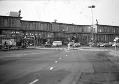 Gezicht op het Centraal Station (Stationsplein) te Utrecht in 1973