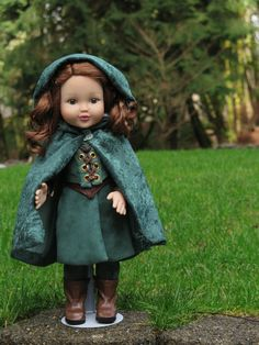 Medieval 18 Inch Doll Cloak Hooded Doll von RainbowLilyDesigns