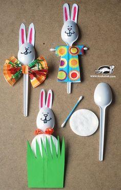 Diese Dekoideen zu Ostern werden die Lieblingsprojekte deiner Kinder sein - Plastiklöffel Hasen