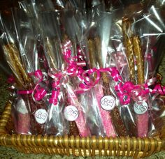 Bridal shower favors: DIY chocolate dipped pretzel sticks: this might be good for kids' parties too. DA-H Bridal Shower Favors Diy, Tea Wedding Favors, Chocolate Wedding Favors, Bridal Showers, Party Favors, Inexpensive Wedding Centerpieces, Simple Centerpieces, Chocolate Dipped Pretzels, Classy Wedding Invitations
