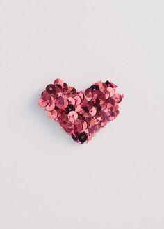 DIY Wedding Crafts : DIY Sequin Hearts