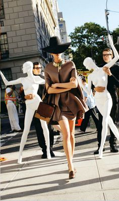 In Love with the City | Karlie Kloss by Arthur Elgort for Vogue Japan, September 2011