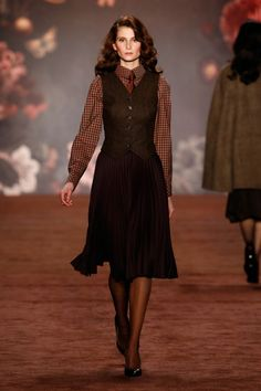 Runway / Lena Hoschek / Berlin / Herbst 2016 / Kollektionen / Fashion Shows / Vogue Retro Fashion, High Fashion, Vintage Fashion, Edwardian Fashion, Fashion Brands, Mode Statements, Looks Style, My Style, Vintage Outfits