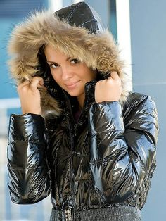 Down Puffer Coat, Puffer Coats, Hooded Cloak, Winter Suit, Black Down, Elegantes Outfit, Puffy Jacket, Rain Wear, Jacket Style