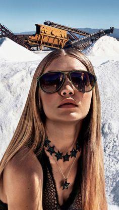 Gigi Hadid for Versace sunglasses | EyeWearThese | #versace #sunglasses #gigihadid #fashion