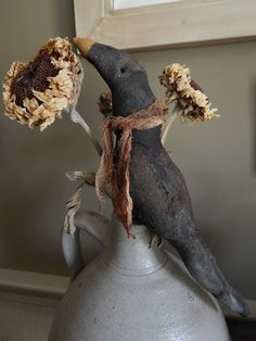 The Country Nest: My first trip to Brimfield Primitive Pumpkin, Primitive Crafts, Primitive Christmas, Country Primitive, Halloween Doll, Fall Halloween, Dried Sunflowers, Primitive Gatherings, Harvest Season