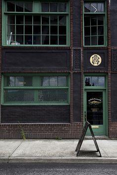 Oregon | unassuming shopfront, a-board