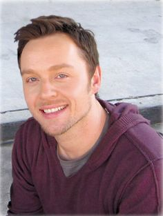 Darren Hayes- Great smile, awesome voice.