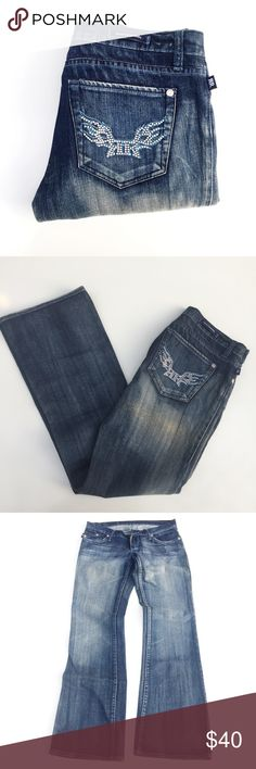 ROCK AND REPUBLIC boot it jeans. Sz 29. ROCK AND REPUBLIC boot it jeans. Sz 29. Inseam appx 31.5, rise appx 7. Thank you for visiting my closet. I ship the next day. Rock & Republic Jeans