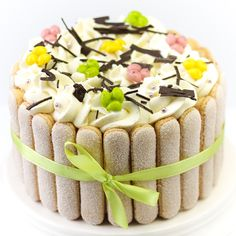 Paastaart | FunCakes Dutch Recipes, Sweet Recipes, Cake Recipes, Baking Cupcakes, Cupcake Cakes, Easter Brunch, Easter Décor, Easter Cake, Spring Cake