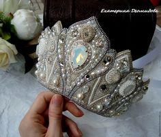 Купить или заказать 'Царевна Лебедь' головной убор, Bead Embroidery Jewelry, Beaded Embroidery, Beaded Jewelry, Women Jewelry, Fashion Jewelry, Tiaras And Crowns, Pageant Crowns, Wire Crafts, Bridal Headpieces