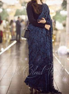 Simple Pakistani Dresses, Pakistani Bridal Dresses, Pakistani Dress Design, Indian Bridal Outfits, Indian Fashion Dresses, Dress Indian Style, Stylish Blouse Design, Stylish Dress Designs, Stylish Sarees