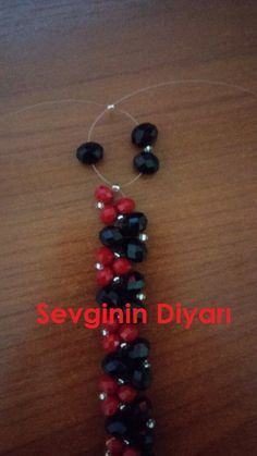 Hello, let's continue to publish our work. More necklace in winter … - new season bijouterie Beaded Jewelry Designs, Bead Jewellery, Wire Jewelry, Jewelry Crafts, Beaded Bracelet Patterns, Beaded Earrings, Beaded Bracelets, Beading Patterns, How To Make Necklaces