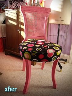 I'm not a huge fan of pink, but this chair is super cute!