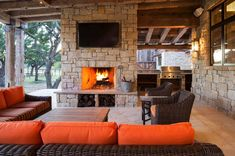 Modern-rustic barn style retreat in Texas Hill Country Texas Hill Country, Hill Country Homes, Rustic Patio, Rustic Barn, Modern Rustic, Modern Farmhouse, Rustic Elegance, Rustic Style, Backyard Kitchen