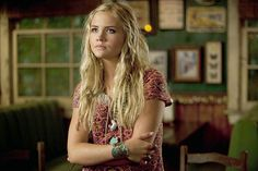 Maddie Hasson (Willa from The Finder tv show)  AMAZING, beach hair in loose waves... always has gypsy twists and braids with lots of jewelry