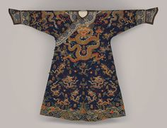Robe, Qing dynasty (1644–1911), 17th century  China  Silk and metallic thread tapestry (kesi)
