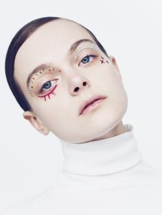 Claire Plekhoff / Makeup artist based in Paris