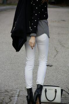 White jeans in winter http://www.it-girl.es/white-jeans-in-winter/