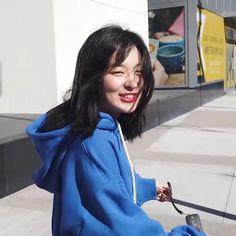 Red Velvet Seulgi, Red Velvet Irene, Korean Girl Groups, South Korean Girls, Kim Yerim, Simple Photo, Japanese Girl, Kpop Girls, The Dreamers