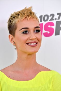 Katy Perry Spiked Hair - Katy Perry went punk with this spiked 'do for KIIS FM's Wango Tango 2017.