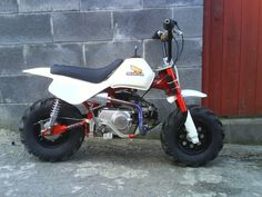 Honda Z50 Pit Bike I want one of these for no good reason other than to have fun on