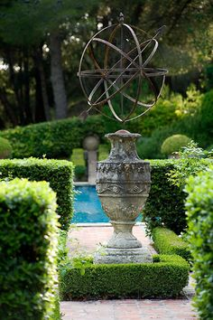 Choosing antiques for the garden Antique Garden sculpture French Formal Garden Inspiration Formal Gardens, Outdoor Gardens, French Formal Garden, Landscape Design, Garden Design, Landscape Architecture, Gray Garden, Garden Urns, Lush Garden