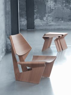Molded plywood never stops to amaze us, and these expressive sculptural forms of the molded plywood chairs and nesting tables from GJ Collection by Lange [...]