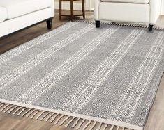 Handmade Rug / Carpet / Vintage Kantha Quilts by IndianWomensCrafts Indian Quilt, Indian Rugs, Anthropologie Rug, West Elm Rug, Kantha Quilt, Quilts, Rustic Rugs, Home Living, Living Room