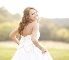 Post image for Rustic Bridal Session {The Dairy Barn}