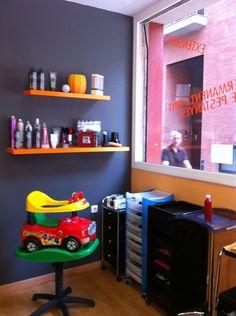 Para los más peques! #peluqueria #estetica #peques #coche #nenes #montibello #hairdressing
