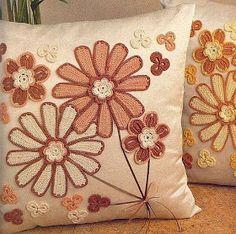 MOSSITA BELLA PATRONES Y GRÁFICOS CROCHET : Decoración de cojín con flores a crochet