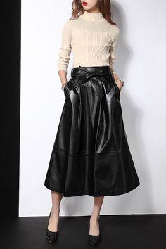 Long leather skirt Fashion Mode, Work Fashion, Skirt Fashion, Hijab Fashion, Fashion Outfits, Womens Fashion, Petite Fashion, Curvy Fashion, Style Fashion