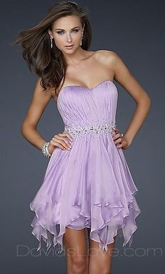 this is beautiful and would look amazing for a bridesmaid dress on the beach