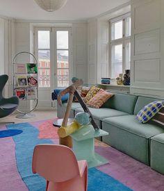 Apartment Interior, Home Interior, Retro Apartment, Colorful Apartment, Danish Interior, Room Ideas Bedroom, Bedroom Decor, Vintage Bedroom Furniture, Design Retro