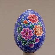 Decorated eggs imported from the Czech Republic. Egg Decorating, Traditional Design, Czech Republic, Decorative Plates, Eggs, Tableware, Handmade, Gifts, Blue