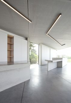 Image 3 of 28 from gallery of House CM Sint-Truiden / MASS Architects. Photograph by Philippe Van Gelooven Linear Lighting, Cool Lighting, Modern Lighting, Lighting Design, Light Architecture, Interior Architecture, Interior Design, Kitchen Soffit, Kitchen Walls