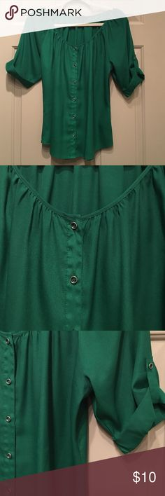 Express Swoop Neck Green Button Up Blouse, Small Express Swoop Neck Button Up Shirt. Jungle Green. Small. Silky material. 100% polyester. Great condition. Express Tops Blouses
