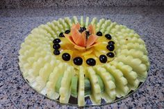 VIDEO.  FUENTE PASAPALOS FRUTAS Y CHARCUTERIA -  HOW TO CUT AND SERVE SLICED FRUIT - By J. Pereira Art Carving