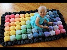 В этом видео подробно показано как можно пошить креативный детский коврик. Он отлично подойдет как для Вашего малыша, так и на подарок. Это, а также многое д...