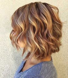 Short Layered Wavy Hairstyles - Wavy hair is the thing which people aspire to own and those who own feel proud of. Haircuts For Wavy Hair, Short Layered Haircuts, Layered Bob Hairstyles, Hairstyles Haircuts, Layered Wavy Bob, Short Bobs, Natural Wavy Hairstyles, Short Wavy Hairstyles For Women, Woman Hairstyles
