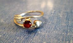 RING - Red GARNET - Arrow  - ESTATE Sale  - 925 - Sterling Silver  - size 5 3/4  red 131 by MOONCHILD111 on Etsy