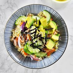 Smoked Salmon, Avocado & Brown Rice Sushi Bowl - a healthy and easy meal!
