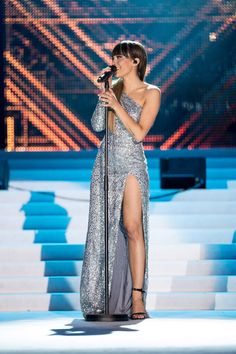 Millie Bobby Brown, Nice Dresses, Formal Dresses, Leo, Bikinis, Cute, Pictures, Singers, Music